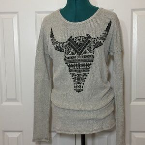 Trendy Steer Motif Long Sleeve Tee